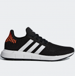 Adidas Swift Run resim